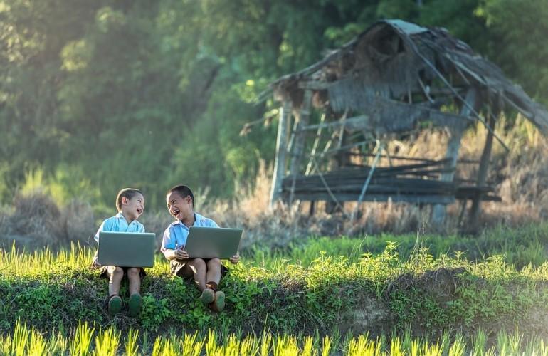 Cách xưng hô trong tiếng Việt - Điều cần biết trong giao tiếp
