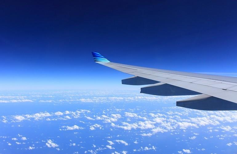 越南醫療部緊急尋找曾搭載確診病患的11架航班旅客,其中一架為台北飛往胡志明市的長榮航空班機